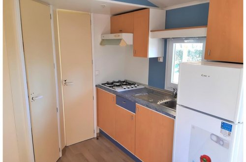 Cuisine Mobil Home Lilas 2 chambres Camping Domaine de gaujac