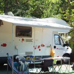 Standplaats Kampeerauto Camping Domaine de Gaujac