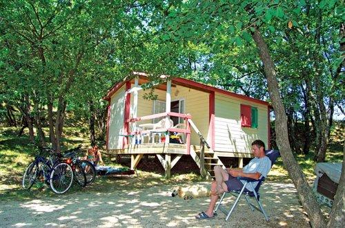 Capucine chalet colline Camping Domaine de Gaujac