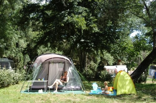 Emplacement camping 6A Domaine de Gaujac